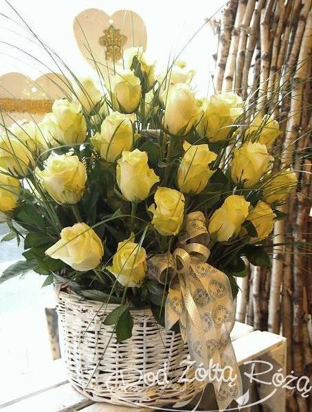 kosz z rózami