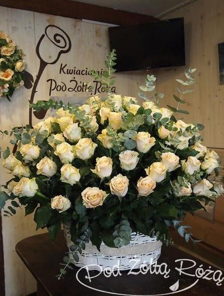 kosz z róz